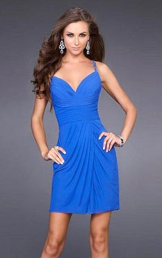 Favodresses.com is a professional women's dresses online shop,where you can find your favourite Stunning Sheath Short Blue Dress.