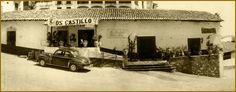 """La tienda: Esta tienda es una representación de la tienda en la historia dónde compra Andrés la comida y el juguete para la niña. Es una tienda de los 1940's (la época de la historia, """"Una moneda de oro"""") en Taxco, México.   (Thyseldew, Pernel S. (2012). Los Castillo. Retrieved from http://pernel.com/loscastillo/)"""