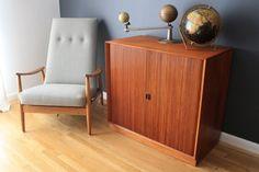 mid-century chair like