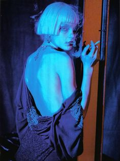 Jessica Stam by Peter Lindbergh///Vogue Italia April 2007 💙💜 beautiful but almost heroin chic 😒 Jessica Stam, Aesthetic People, Aesthetic Art, Art Reference Poses, Photo Reference, Urbane Fotografie, Foto Fantasy, Photographie Portrait Inspiration, Foto Fashion