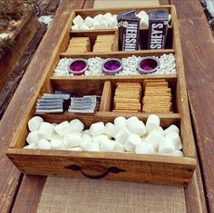 This DIY mini fire pit is a great way to satisfy a S'mores craving when it hits. Graduation Desserts, Party Stations, Bar Station, Deck Party, Bbq Party, S'mores Bar, Burger Bar, Rock Decor, Christmas Candles