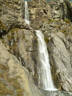 Waterfall, Maseri.