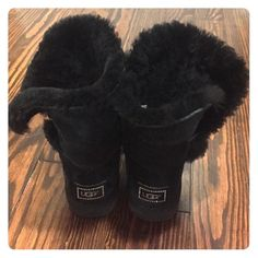 Black Ugg Bailey Button Bling sz 8 Black Ugg Bailey Bling sz 8 worn a few times. Great condition UGG Shoes Winter & Rain Boots