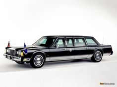 1989 Lincoln Town Car Presidential Limousine; used by George H. W. Bush