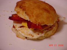 Low carb biscuit for my bacon, egg and cheese! Lowest Carb Bread Recipe, Low Carb Bread, High Protein Low Carb, Low Carb Diet, Whey Protein, No Carb Recipes, Cooking Recipes, Bread Recipes, Healthy Recipes