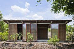 Med materialer tilpasset norsk vinter - så er denne til forveksling lik min drømmegarasje/plantehus.