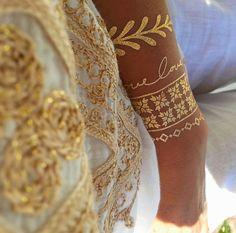 Me encantan los tatuajes dorados tipo joyería. OSBESIONADA. Espero lleguen a Vzla pronto. Temporary gold tattoos. OBSESSED