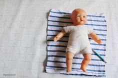 Réparer un poupon - étape n°2 Techniques Couture, Kids Rugs, Pretend Play, Tricot, Kid Friendly Rugs, Nursery Rugs