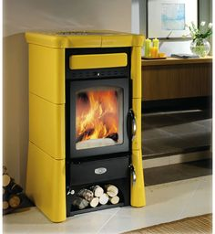 Burning wood stoves from Sideros – Wood Burning Stove Small Fireplace, Stove Fireplace, Home Building Design, House Design, Soapstone Wood Stove, Stove Heater, Vintage Stoves, Antique Stove, Diy Kitchen Storage
