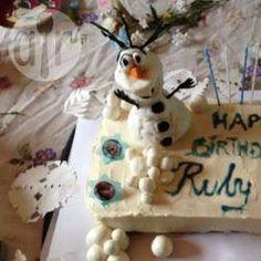 """Olaf Kuchen, Schneemann, Kindergeburtstag, Eiskönigin Kuchen, Frozen, Disney """"Die Eiskönigin - völlig unverfroren"""", Frozen birthday party, Geburtstagskuchen, Geburtstag, Frozen birthday, frozen cake, http://de.allrecipes.com/rezept/17579/schneemann-olaf-kuchen--aus-disney-s--die-eisk-nigin--.aspx"""