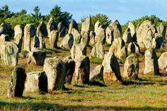 MENHIR : Ubicación en Carnac-Francia 3 Km. de longitud.