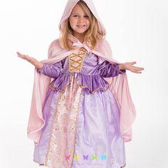 Vestidos y trajes de excelente calidad, con muchos detalles y decoración, para niñas de 1 a 9 años. En la tienda ▶️ www.princesas.co online de las princesas mas grande en #colombia #argentina #peru #mexico #chile | #vestido #rapunzel #capa #princesa #PrincesasCo #disney #YoSoyPrincesa #yosoyprincesadisney
