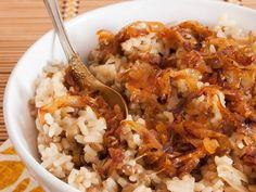 oignon, riz, cube de bouillon