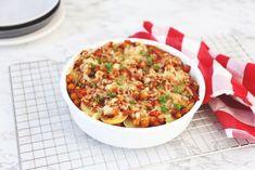 Vandaag hebben we een lekkere aardappel-ovenschotel met linzen en kikkererwten. Lekker, simpel en vrij snel klaar. Bekijk hier het recept.