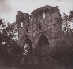 William Henry Fox Talbot, The Tomb of Sir Walter Scott, in Dryburgh Abbey, 1844.