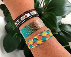 Bead Loom Bracelets, Beaded Bracelet Patterns, Peyote Patterns, Diy Jewelry, Beaded Jewelry, Handmade Jewelry, Jewelry Making, Alpha Patterns, Diy