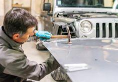 Le savoir-faire de nos tôliers! #jeep #wrangler #v6 #jeepwranglerv6 #jeepwrangler #tolerie #carrossier #nimes #savoirfaire #artisanat… Mercedes Cla, Jeep Wrangler, Garage, Instagram, Automobile, Handicraft, Carport Garage, Jeep Wranglers, Garages