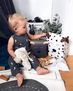 @frkeinevoll Checking out his cute @dudepackaging friends  aaand is wearing his Rylee&Cru jumpsuit from @stylechild_no, have you seen the new collection yet? It's AAH-mazing!! ✨ #stylechild #ad #dudepacking visa alla 20 kommentarer frkeinevoll #babyfashion #babyboy #cutie #blueeyes #sweetie #babies #justbaby #love #style #fashion #mother #bestfriend #igkiddies #mybabylove #beautiful #beauty #baby #loveyou #baby #cute #sweetheart #mumlife #motherhoodtroughinstagram #myboy
