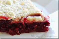 Pie Crazy-Red Raspberry Pie Filling Use filling for cobbler with biscuit mix crust; may substitute granulated tapioca for cornstarch and omit flour. Just Desserts, Delicious Desserts, Dessert Recipes, Yummy Food, Dessert Ideas, Yummy Recipes, Raspberry Recipes, Red Raspberry, Raspberry Meringue