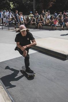How To Enter A Skateboard Competition Skateboard Images, Skateboard Shelves, Skateboard Ramps, Skateboard Art, Pro Skateboards, Skate Photos, Skate Man, Pro Skaters, X Games