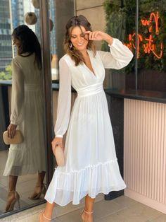 Stunning Dresses, Elegant Dresses, Cute Dresses, Short Sleeve Dresses, Summer Dresses, Modest Fashion, Fashion Dresses, Minimal Wedding Dress, Elegant Outfit