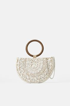 ZARA - Female - Natural beaded oval crossbody bag - White - M Collection Zara, Online Zara, Latest Bags, Summer Bags, Embroidered Lace, Luxury Handbags, Evening Bags, Fashion Bags, Straw Bag