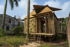 Blooming Bamboo is placed on stilts and designed to withstand floods of up to 1.5 m (5 ft) in depth (Photo: Doan Thanh Ha)