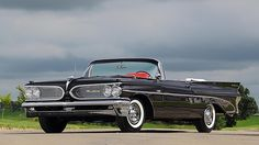 1959 Pontiac Catalina Convertible Tri-Power 389/345 HP, 4-Speed presented as lot S95 at Schaumburg, IL 2015 - image1