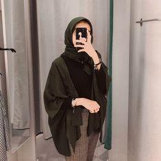 C - hijab outfit Hijab Casual, Hijab Chic, Casual Outfits, Fashion Outfits, Ootd Hijab, Modern Hijab Fashion, Street Hijab Fashion, Hijab Fashion Inspiration, Muslim Fashion