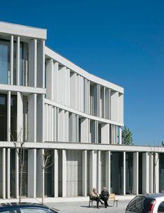 court-of-sant-boi-de-llobregat-by-baas-architects-duccio-malagamba_250751-4.jpg