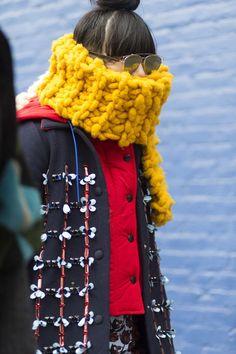 Stylowe czapki na zimę 2016 - futrzana, kapelusz, czapka z pomponem