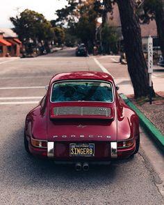Porsche 911 Custom by Singer Vehicle Design . …… 📷 Porsche 911 Custom by Singer Vehicle Design . Porsche 911 964, Porsche Boxter, Porsche 550 Spyder, Porsche Logo, Porsche Cayman Gt4, Porsche Carrera Gt, Porsche Cars, Porsche 2020, Singer Porsche