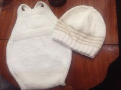 image Sewing Baby Clothes, Christening, Knitted Hats, Knit Crochet, Kids Fashion, Winter Hats, Knitting, Image, Chloe