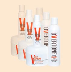 Say goodbye to faded hair and keep your lovely ginger locks intact with our Vibrant Orange Daily Conditioner!