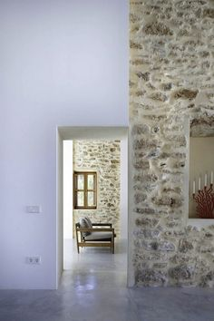 Can Manuel d'en Corda is a contemporary remodel and extension of a traditional stone wall house by Marià Castelló Martínez, on Formentera Island, Spain. Architecture Renovation, Architecture Details, Roof Architecture, Architecture Interiors, Scandinavia Design, Interior And Exterior, Interior Design, Interior Stone Walls, Design Art