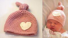 Tenero: il cappellino a uncinetto per neonato con cuoricino applicato.  L'autrice è Sarah di Repeatcrafterme.  Il Tutorial è completamente in inglese quindi vi lascio sott...