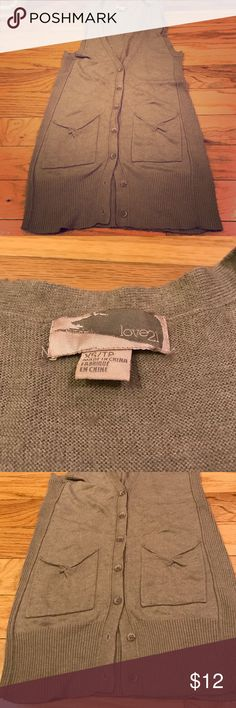 Forever 21 Love 21 Size XS Beige Soft Sweater Tank Super soft and warm Forever 21 Love 21 Brand Tank Top Style Button Down Sweater in a neutral beige color. In excellent used condition, just doesn't fit anymore after baby. Comes from a smoke free home. Forever 21 Sweaters V-Necks