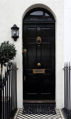 Black London door with brass door furniture. Door Knockers, Door Knobs, Brass Door Knocker, Exterior Design, Interior And Exterior, Black Front Doors, Door Furniture, Furniture Removal, Luxury Furniture