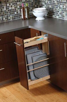 New kitchen decor above cabinets stove Ideas Kitchen Cupboards, Kitchen Redo, Kitchen Pantry, New Kitchen, Kitchen Remodel, Kitchen Island, Kitchen Tray, Tidy Kitchen, Kitchen Small
