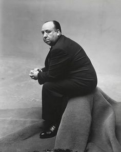Irving Penn, Alfred Hitchcock, New York, The Metropolitan Museum of Art, New York. © The Irving Penn Foundation Alfred Hitchcock, Irving Penn Portrait, Vintage Photography, Portrait Photography, Classic Photography, White Photography, Georgia O'keeffe, Tv Movie, Movies