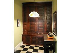 Arts & Crafts - Craftsman - Bungalow - Home-  amazing pantry built-ins