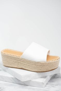 Send a message to everyone that you are here for spring and spring fashion! These platform sandals are so chic and fun! The white and natural jute sides are a fabulous combination! White Slippers, Summer Slippers, Summer Shoes, Summer Outfits, Mint Julep Boutique, White Sandals, Platform High Heels, Teenager Outfits, Bridal Outfits