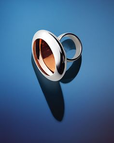 Anish Kapoor Water ring, Form I, 2012. 18cts white gold polished exterior with a rose gold polished interior. Edition of 10