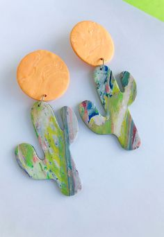 Polymer Clay Cactus Earrings, Cactus Earrings Clay, Festival Earrings, Summer Earrings, Clay, Dangle Earrings, Statement earrings, cactus Polymer Clay Projects, Polymer Clay Creations, Handmade Polymer Clay, Cactus Earrings, Etsy Earrings, Dangle Earrings, Diy Jewellery, Jewelry Making, Clay Cross