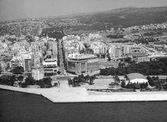 Αεροφωτογραφία του 1961. Greece Pictures, Old Pictures, Old Photos, Thessaloniki, Athens Greece, Paris Skyline, History, City, Macedonia