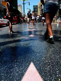 Son más de 2mil estrellas las que se encuentran en el Hollywood Walk of Fame - #CallesMásFamosasDelMundo