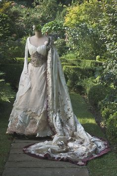 "Irish Wedding dress! [not sure this is actually ""renaissance period"" but I like it, so here is where I'm putting it] ;)"