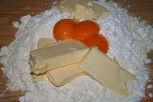 Kolieska s orechovým snehom Food And Drink, Dairy, Cheese, Breakfast, Desserts, Projects, Basket, Cake Cookies, Popular Recipes