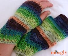 One of my first patterns on Moogly was the Chevron Lace Wrap – and I'm delighted to see that people are still making it! Chevrons are here to stay! And recently I got a request for matching crochet fingerless gloves– and I thought that was a great idea! I've been traveling, and these were made [...]