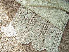 """pattern : """" Rhodion Lace Shawl """" by Elizabeth Freeman at Knitty"""